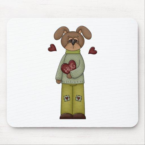 perro de perrito lindo del corazón del abrazo de alfombrillas de ratones
