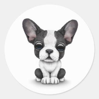 Perro de perrito lindo del dogo francés en blanco pegatina redonda