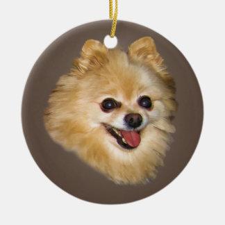 Perro de Pomeranian en el ornamento de Brown Ornamente De Reyes