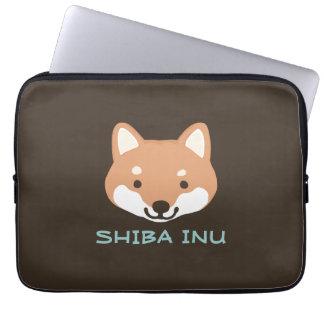 Perro de Shiba Inu con el texto de encargo Funda Computadora