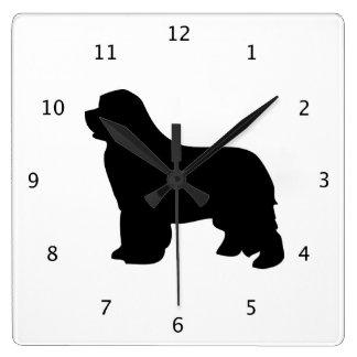 Perro de Terranova, silueta negra del newfie Reloj Cuadrado
