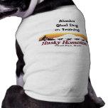 Perro de trineo en camiseta del perrito del entren camisetas de perrito