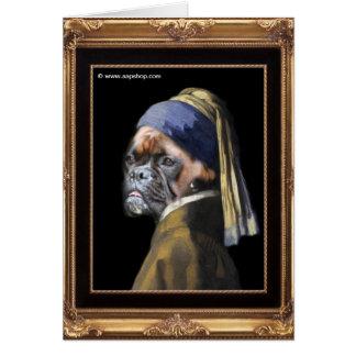 Perro del boxeador con el pendiente de la perla de tarjeta de felicitación