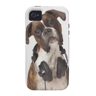 Perro del boxeador con los auriculares iPhone 4/4S funda
