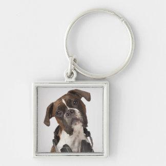 perro del boxeador con los auriculares llavero cuadrado plateado