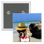 perro del boxeador en el botón de la playa pin