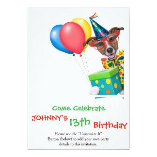 """Perro del cumpleaños con el lazo y los vidrios de invitación 5"""" x 7"""""""
