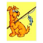 Perro del dibujo animado de la pesca postales