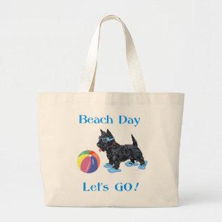 Perro del escocés del día de la playa bolsa lienzo