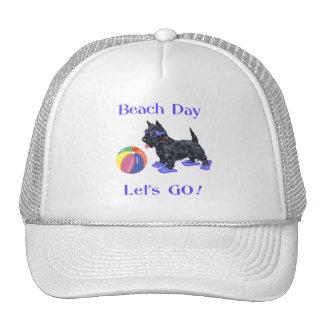 Perro del escocés del día de la playa gorro de camionero