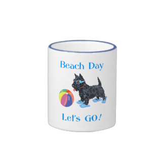 Perro del escocés del día de la playa tazas de café