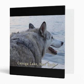 """Perro del lobo del lago Cayuga Carpeta 1"""""""