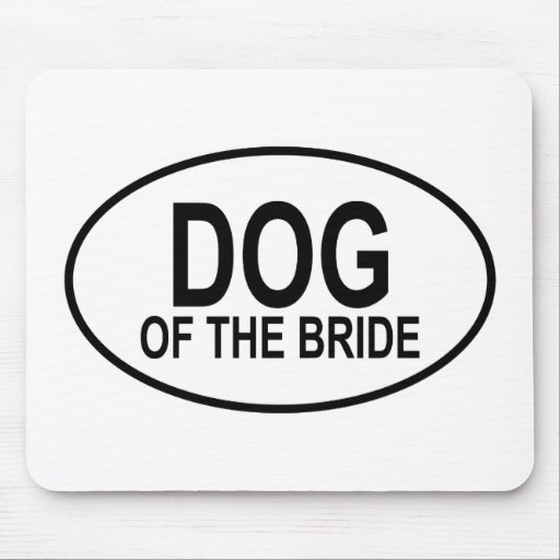 Perro del negro de la novia que casa óvalo tapete de ratones