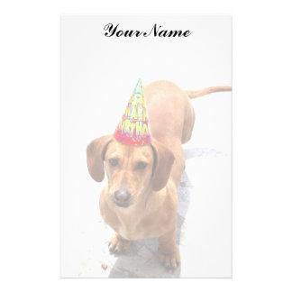 Perro del perro de patas muy cortas del cumpleaños papelería personalizada