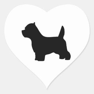 Perro del terrier blanco de montaña del oeste, colcomanias corazon