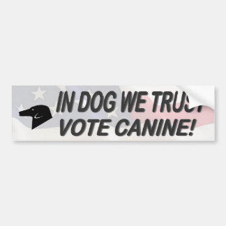 Perro del voto con la pegatina para el parachoques etiqueta de parachoque