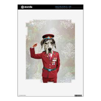 Perro divertido en uniforme del rojo calcomanías para iPad 2
