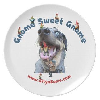 Perro dulce del gnomo del gnomo plato para fiesta