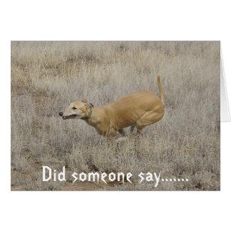 Perro en una misión tarjeta de felicitación
