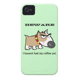 ¡Perro enojado - guárdese! No he tenido mi café iPhone 4 Coberturas