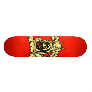 Perro enojado skateboard