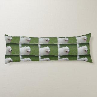 Perro esquimal americano dulce almohada larga
