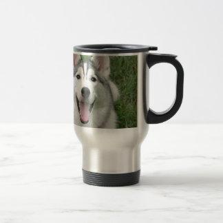 Perro esquimal feliz taza térmica