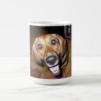 Perro feliz taza de café
