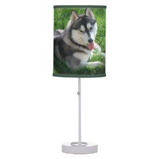 Perro fornido lámpara de escritorio