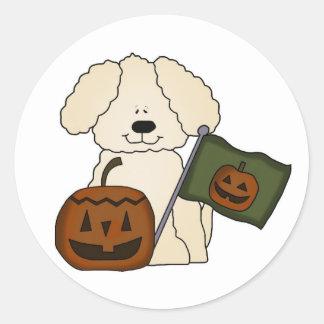Perro lindo de Halloween Pegatina Redonda