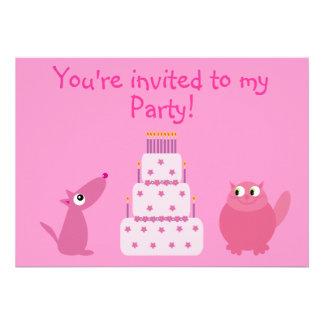 Perro lindo del dibujo animado gato y fiesta rosa comunicado personalizado
