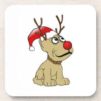 Perro lindo del reno del navidad con las astas posavasos de bebidas