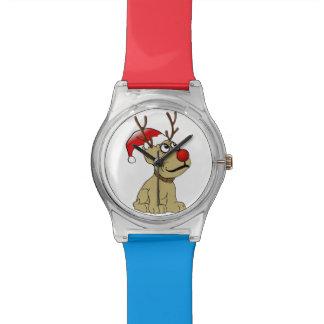 Perro lindo del reno del navidad con las astas relojes de mano