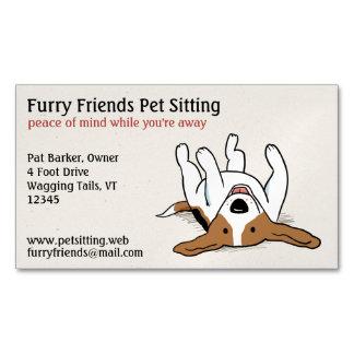 Perro lindo feliz del dibujo animado del beagle el tarjeta de visita magnética