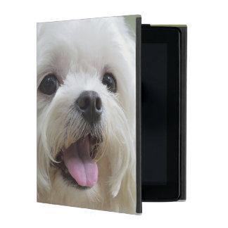 Perro maltés blanco que pega hacia fuera la lengua iPad fundas