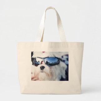 Perro maltés lindo bolsas