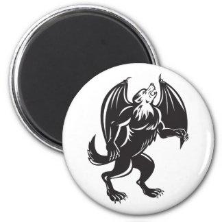 Perro negro del lobo de Kludde con las alas del pa Iman