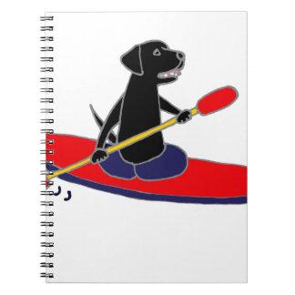 Perro negro divertido del labrador retriever libreta