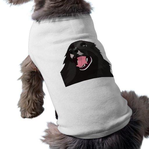Perro negro lindo con su lengua hacia fuera - playera sin mangas para perro