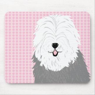 Perro pastor inglés viejo (con los ojos cubiertos) mouse pads
