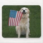 Perro patriótico tapete de ratón