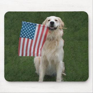 Perro patriótico tapete de ratones