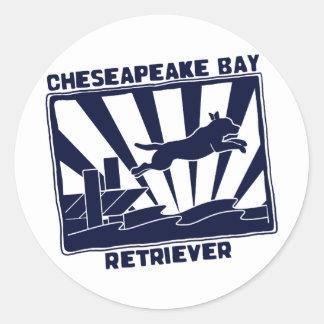 Perro perdiguero de bahía de Chesapeake de salto d Pegatinas Redondas