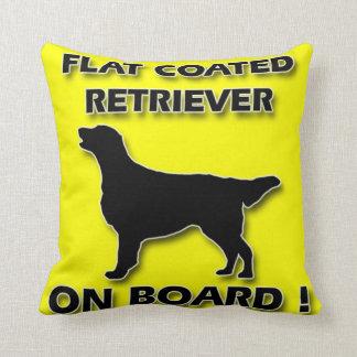 Perro perdiguero revestido plano almohada