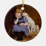"""Perro que conforta al chica - """"condolencia"""" por adorno navideño redondo de cerámica"""
