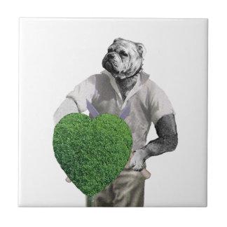 Perro que cultiva un huerto del vintage azulejo cuadrado pequeño
