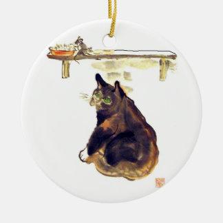 Perro ratonero ocioso - un gato nombrado Terrance Adorno Navideño Redondo De Cerámica