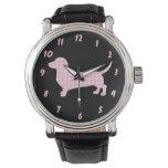 Perro rosado de la salchicha de Frankfurt del Reloj