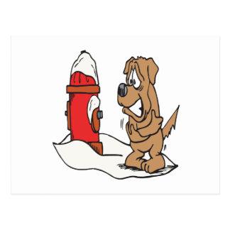 Perro y boca de incendios postales