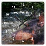 Perro y corriente negros del Pinscher del Doberman Relojes De Pared
